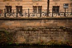 Bici che allineano a Berlino Immagine Stock