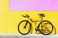 Bici colorida de la pista, bicicleta fija del engranaje Imagenes de archivo