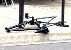 Bici con las ruedas y los manillares que falta Foto de archivo libre de regalías