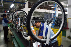 Bici de la bicicleta de la asamblea de Indonesia fotos de archivo libres de regalías