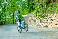 Bici de la muchacha BMX Fotos de archivo