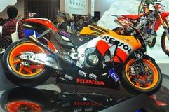 Bici de la raza de Honda en la demostración de motor de Tokio 2009 Fotos de archivo