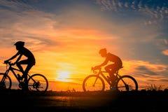 Bici del montar a caballo del ciclista fotos de archivo