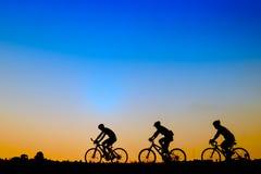 Bici del montar a caballo del ciclista imagenes de archivo