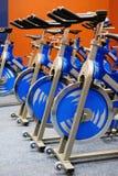 Bici di filatura di forma fisica Fotografia Stock