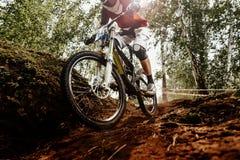 Bici en declive del deporte de Xtreme foto de archivo