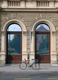 Bici en la calle Imagen de archivo libre de regalías