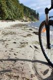 Bici en la playa Foto de archivo