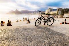 Bici en la playa Imágenes de archivo libres de regalías