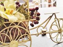 bici floral Fotos de archivo libres de regalías