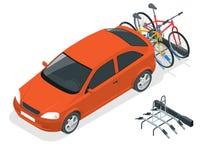 Bici isometriche caricate sul retro di un Van Automobile e biciclette Illustrazione piana di vettore di stile isolata su bianco Fotografie Stock