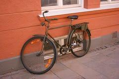Bici militar de color caqui vieja del estilo Imagen de archivo