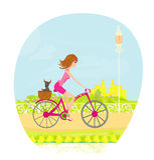 Bici movente felice con la ragazza sveglia Immagini Stock Libere da Diritti