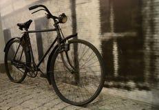Bici nera nel vecchio stile fotografia stock libera da diritti