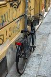 Bici parcheggiata Fotografie Stock Libere da Diritti