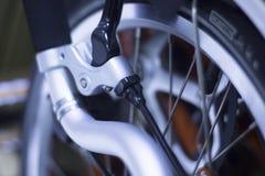 Bici plegable del viajero de la ciudad Fotos de archivo libres de regalías
