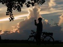 Bici que viaja al fotógrafo Fotografía de archivo libre de regalías