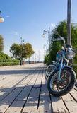 Bici sul pilastro Fotografia Stock