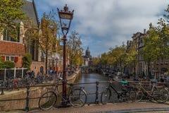 Bici sul ponte a Amsterdam Immagini Stock Libere da Diritti