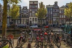Bici sul ponte a Amsterdam Immagine Stock