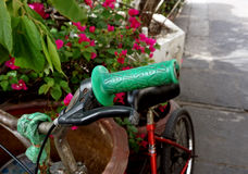 Bici verde della maniglia Fotografie Stock