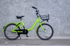 1 bici verde fotos de archivo libres de regalías