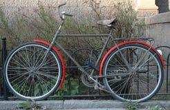 Bici vieja Fotografía de archivo libre de regalías