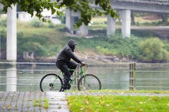 Bici y lluvia Imágenes de archivo libres de regalías