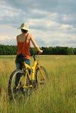 Bicicleta amarilla Imágenes de archivo libres de regalías