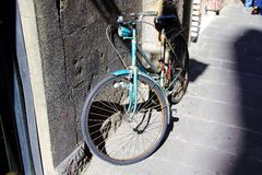 Bicicleta azul Fotos de archivo