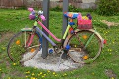 Bicicleta coloreada fotografía de archivo libre de regalías