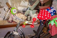 Bicicleta, coloridas populares com sinos e trombeta, em Alemanha Fotos de Stock