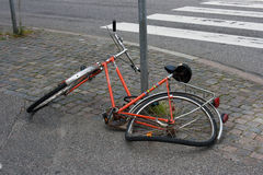 Bicicleta dañada Imagen de archivo libre de regalías