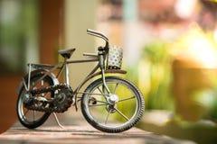 Bicicleta de acero del juguete fotografía de archivo libre de regalías