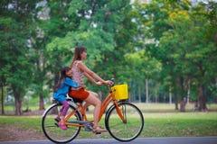 Bicicleta de ciclagem Foto de Stock