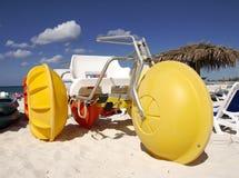 Bicicleta de la playa imagen de archivo libre de regalías