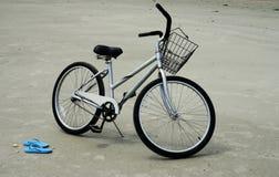 Bicicleta de la playa Fotos de archivo libres de regalías