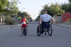 Bicicleta de la silla de ruedas foto de archivo