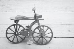 Bicicleta de madera retra Imagen de archivo