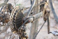 Bicicleta de montanha suja imagens de stock royalty free