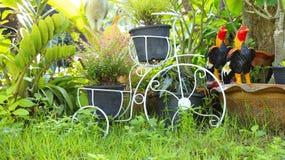 Bicicleta del jardín fotografía de archivo