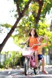 Bicicleta del montar a caballo al aire libre Fotografía de archivo libre de regalías