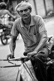 Bicicleta del vendedor del paraguas Foto de archivo