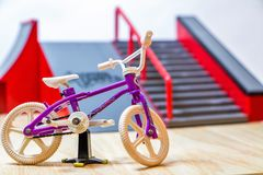 Bicicleta do dedo Fotografia de Stock Royalty Free