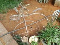 Bicicleta do jardim do metal Imagens de Stock
