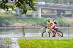 Bicicleta e chuva Imagens de Stock