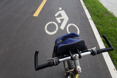 Bicicleta e a estrada Fotografia de Stock
