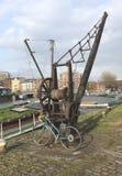 Bicicleta e guindaste Fotografia de Stock Royalty Free