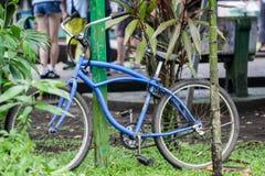 A bicicleta em Costa-Rica usou-se viajando nos fins de semana Imagens de Stock