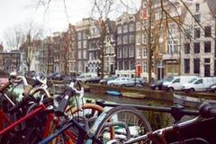 Bicicleta em uma rua fotos de stock royalty free